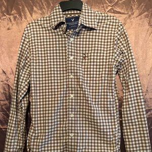 American Eagle vintage fit button up